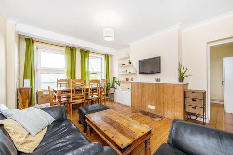 3 bedroom flat to rent - Waterloo Gardens, London E2