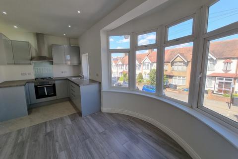 2 bedroom flat to rent - Headcorn Road, Thornton Heath, CR7 6JS