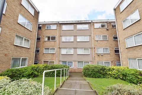 2 bedroom flat to rent - Sunnydene Lodge, Sunnydene Gardens, Wembley, Middlesex