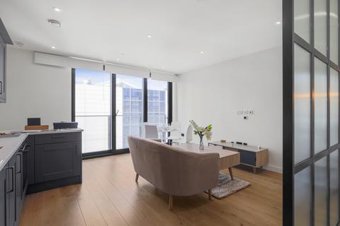 Studio to rent - 1 Emery Way, London, Essex, E1W