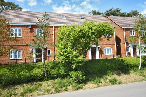1 bedroom flat to rent - Sway, Lymington, Hampshire, SO41