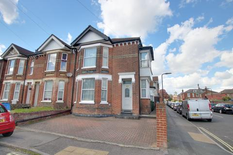 4 bedroom end of terrace house for sale - Portswood, Southampton