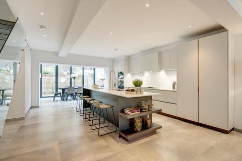 4 bedroom terraced house to rent - Brunswick Gardens, London, W8