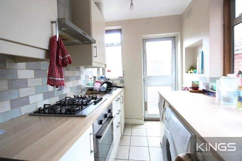 4 bedroom terraced house to rent - Middle Street, Southampton