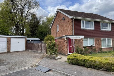 2 bedroom ground floor maisonette to rent - Hotspur Close, Hythe
