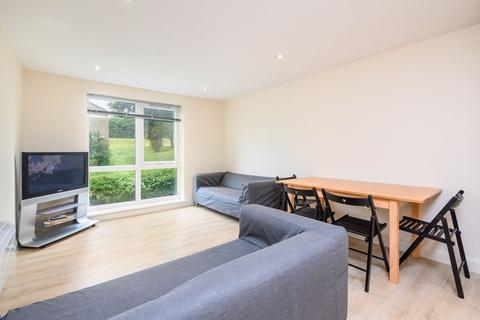 2 bedroom ground floor flat to rent - Rampart Road, Leeds