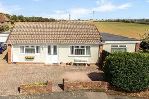 2 bedroom bungalow for sale - Saxon Close, East Preston, West Sussex, BN16