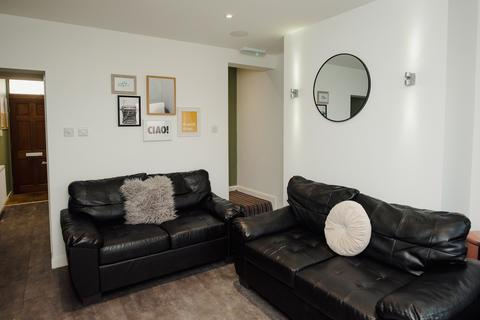 1 bedroom in a flat share to rent - 39 Beresford St Stoke-on-Trent ST4 2EX, UK