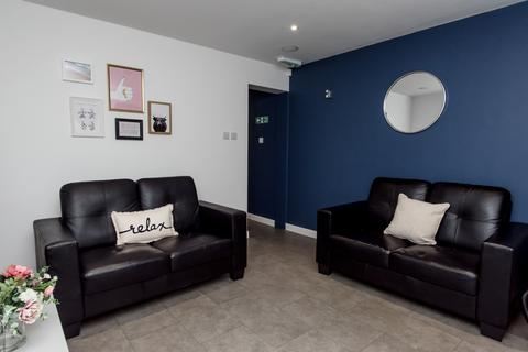 1 bedroom in a flat share to rent - 6 Mellard St, Newcastle-under-Lyme, Newcastle ST5 2DN, UK