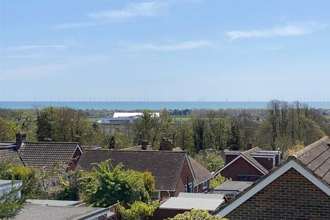 5 bedroom detached house for sale - Norbury Drive, North Lancing, West Sussex, BN15