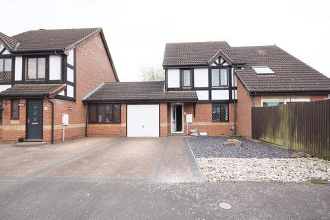 3 bedroom terraced house to rent - Webber Close, Shefford, SG17