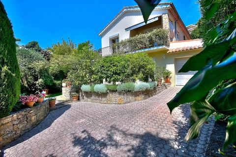 4 bedroom house - Le Cannet, 06110, France
