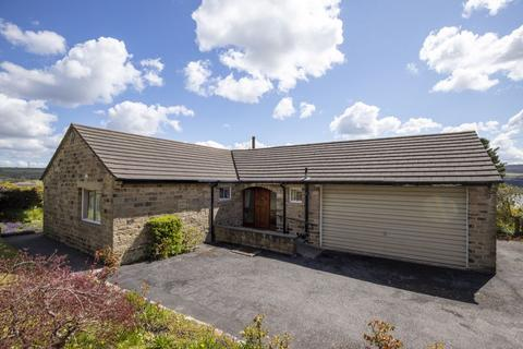 3 bedroom bungalow for sale - Upper Oakes, Dyson Lane, Ripponden, HX6 4JX