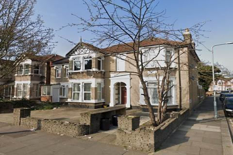2 bedroom flat to rent - The Drive, Ilford, Essex
