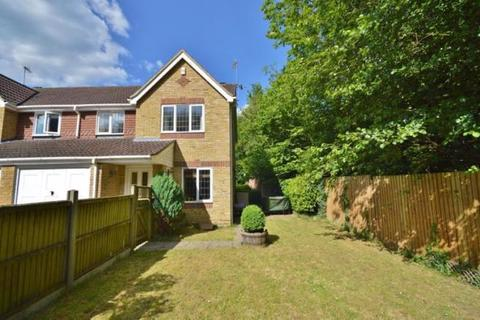 3 bedroom semi-detached house for sale - Maidenbower, Crawley