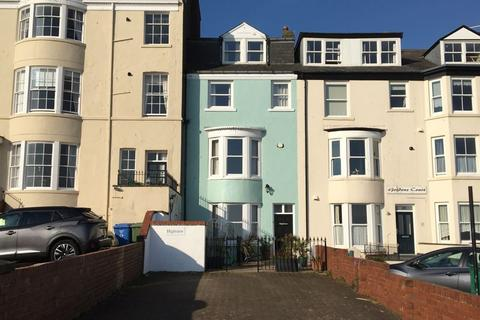 6 bedroom character property for sale - Queens Parade, Scarborough, YO12 7HT
