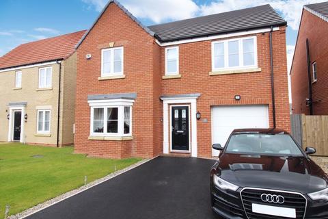 4 bedroom detached house for sale - Ouzel Grove, Scarborough