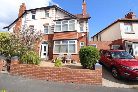 6 bedroom semi-detached house for sale - Peasholm Avenue, Scarborough