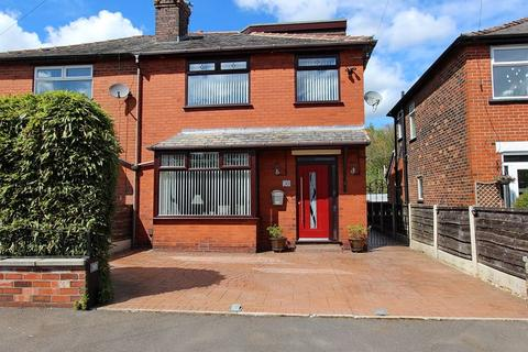 4 bedroom semi-detached house for sale - Spencer Avenue, Whitefield, Manchester