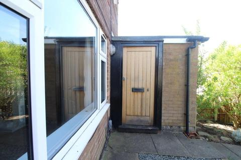 3 bedroom terraced house to rent - Clevedon Road, Chadderton, Oldham