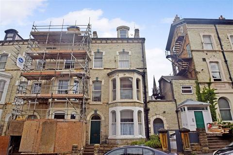 2 bedroom flat for sale - Royal Avenue, Scarborough, North Yorkshire, YO11