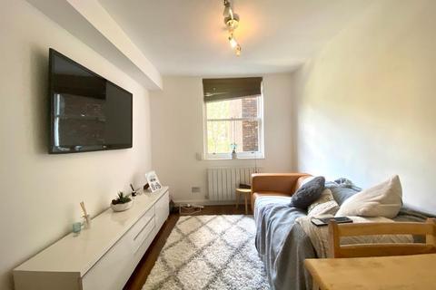 3 bedroom flat to rent - Great Titchfield Street, London