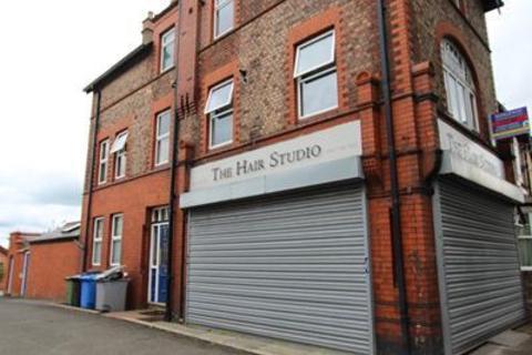 Studio to rent - Flixton Road, Urmston, Manchester
