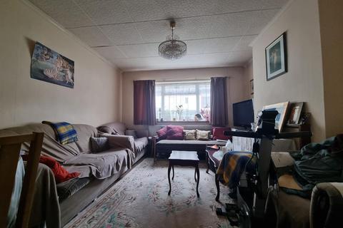 3 bedroom flat for sale - Westbeech Road, London
