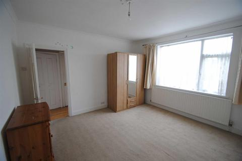 2 bedroom flat for sale - Linden Court, Great Cambridge Road, Enfield