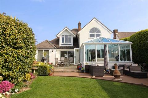 4 bedroom detached house for sale - Barton on Sea, Hampshire