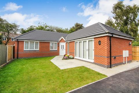 3 bedroom detached bungalow to rent - Manor Road, Calverton, Nottinghamshire, NG14 6FD