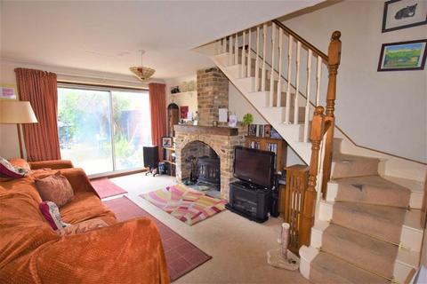 3 bedroom semi-detached house for sale - Coronation Avenue, East Tilbury, Essex