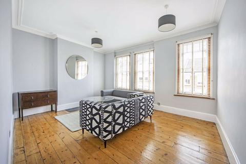 3 bedroom maisonette to rent - Kingswood Road, Brixton