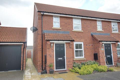 2 bedroom end of terrace house for sale - Newman Avenue, Beverley