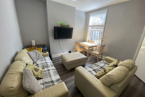 5 bedroom house share to rent - Tiverton Road, Selly Oak, Birmingham, West Midlands, B29