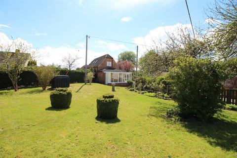 2 bedroom detached house for sale - Grittenham