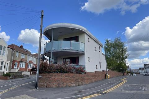 2 bedroom apartment to rent - Britannia Road, Kingswood