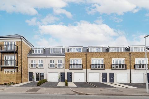 3 bedroom townhouse for sale - Burnham Court, Burnham