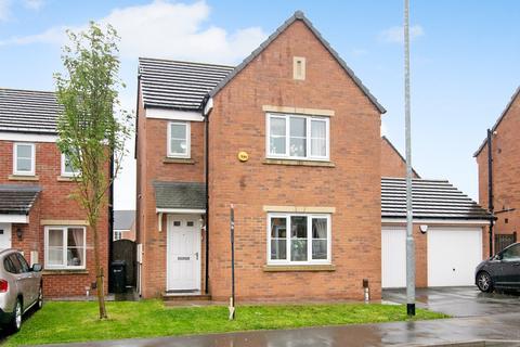 3 bedroom detached house for sale - Swarcliffe Avenue, Leeds, LS14