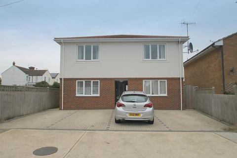 1 bedroom flat to rent - Flat 2, 7 Roberts Road, BN15