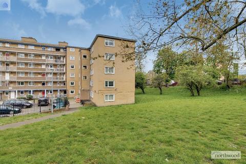 4 bedroom flat for sale - Maskall Close, Tulse HIll, London, SW2
