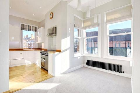 3 bedroom apartment to rent - Rosemary Court, Fortune Green Road, London, NW6