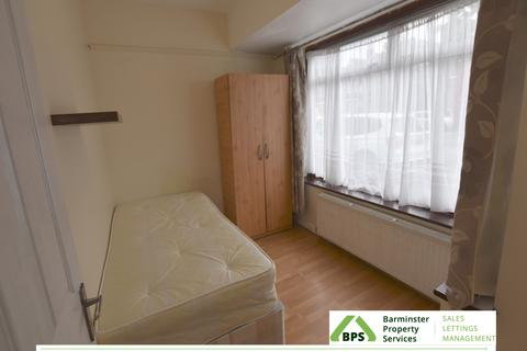 3 bedroom flat to rent - [use Contact Agent Button]