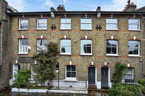 3 bedroom terraced house to rent - Collins Street London SE3