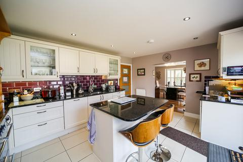 5 bedroom detached house for sale - Ashes Road, Braintree, Essex, CM77