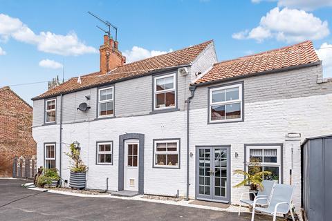 4 bedroom terraced house for sale - Hengate, Beverley, HU17 8BN