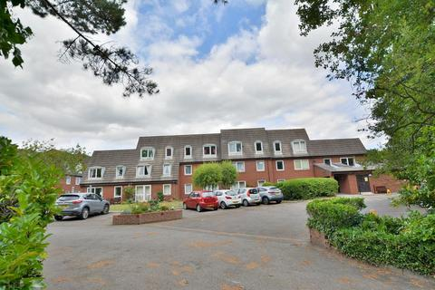 1 bedroom apartment for sale - Homelands House, 535 Ringwood Road, Ferndown, Dorset BH22 9DA
