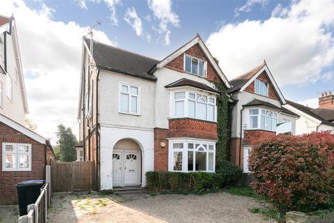 2 bedroom apartment for sale - Monument Green, Weybridge, Surrey, KT13