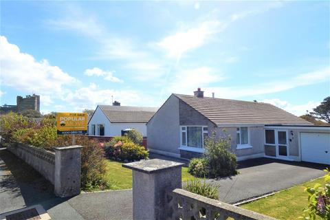 3 bedroom bungalow for sale - Castle Close, Roch, Haverfordwest