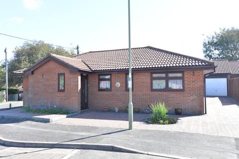 3 bedroom detached bungalow for sale - Floriston Gardens, Ashley, New Milton